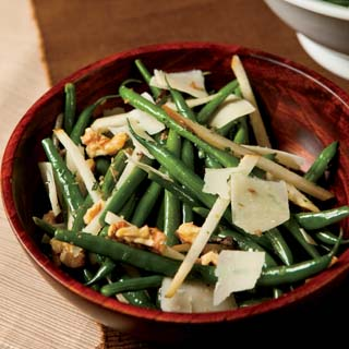 French Green Bean Salad with Pears and Parmesan