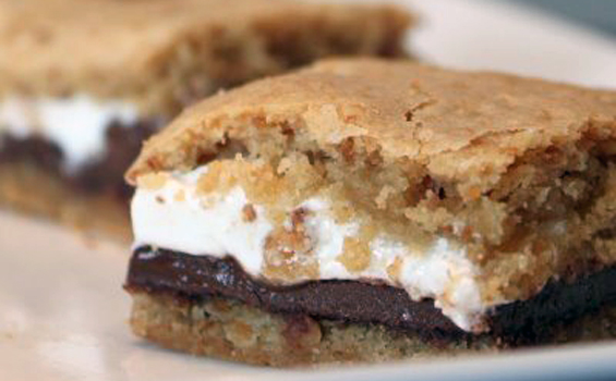 S'mores Bars by Sugar Cooking