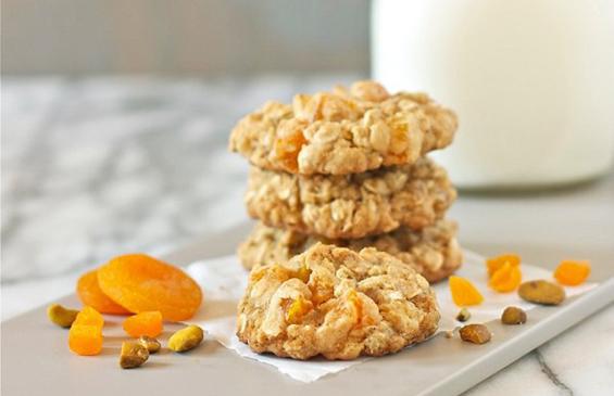 Apricot Apricot Pistachio Oatmeal Cookies