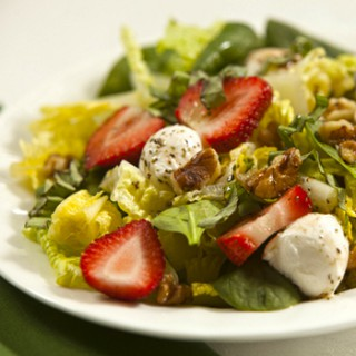 Strawberry, Mozzarella and Walnut Salad Recipe