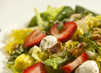 Strawberry, Mozzarella and Walnut Salad Recipe