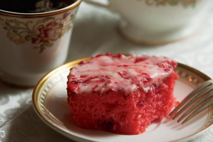 Farm Flavor Strawberry Sheet Cake