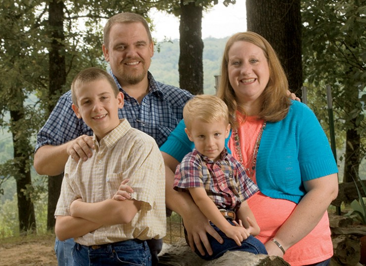 Arkansas cattle rancher Marcus Creasy and family