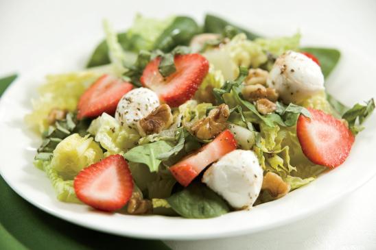 Strawberry, Mozzarella and Walnut Salad